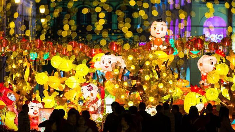 Праздничная иллюминация в Аомэне