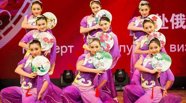 Шоу 'Веселый праздник Весны' в Москве