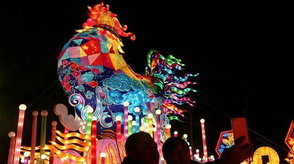 В разных местах Китая готовятся к празднику Фонарей