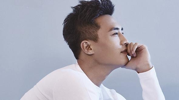 Китайский актер Ду Чунь попал на модный журнал