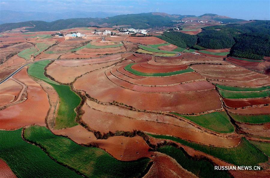 'Красные земли' района Дунчуань