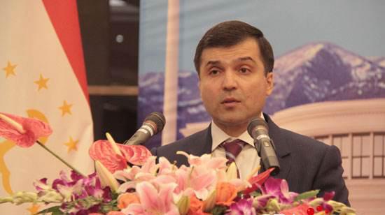 Таджикистан и Китай прошли путь, равный столетию: от ?добрососедских и дружественных? отношений до ?стратегического партнерства?