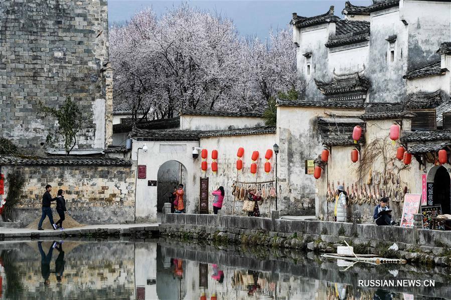 Весна в старинной деревне в провинции Аньхой