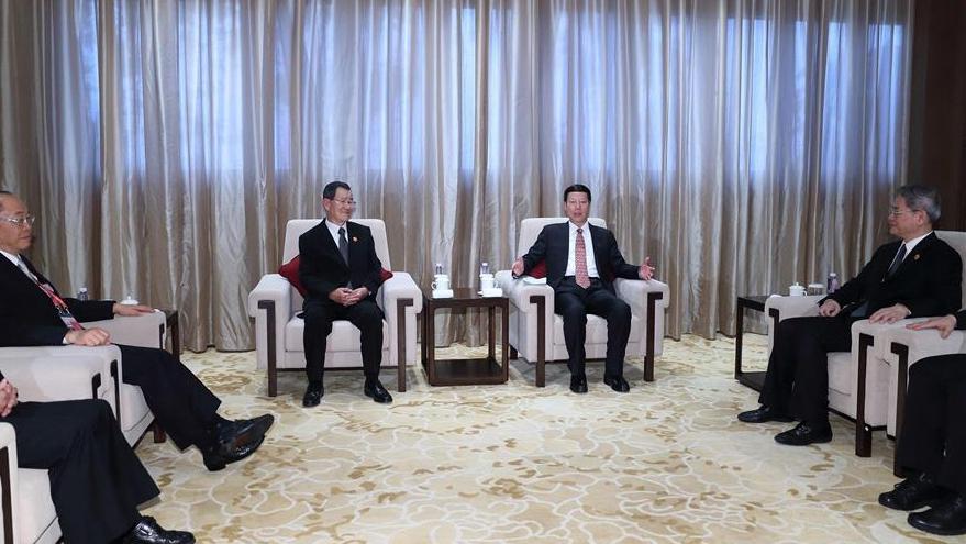 Вице-премьер Госсовета КНР Чжан Гаоли встретился с представителем Тайваня на Боаоском азиатском форуме - 2017