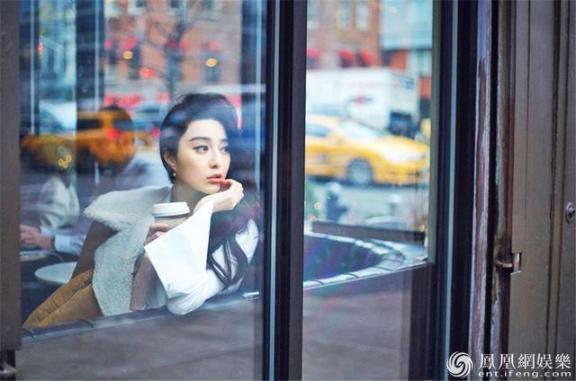 Фань Бинбин в весенних фото с бесполым стилем