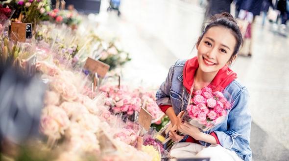 Красотка Ван Оу на улицких фото