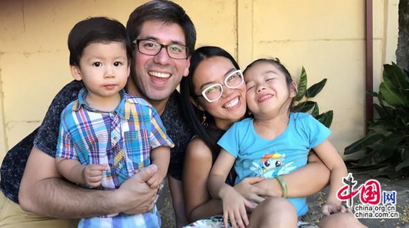 От кормления грудью то прогулок с ребенком, правила воспитания детей чилийско-китайской мамы