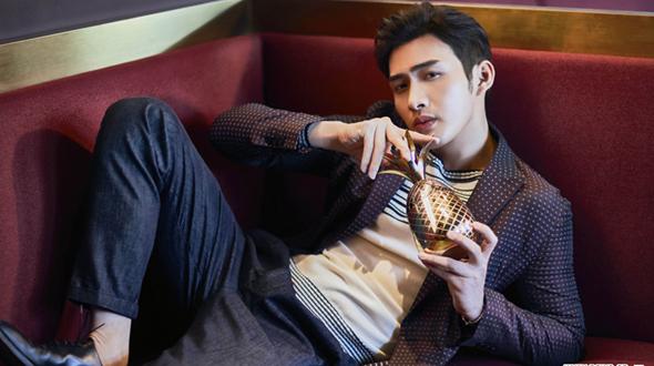 Последняя мода от джентельмена актера Чжан Биньбиня