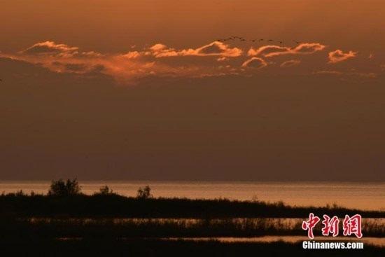 Завораживающие летние пейзажи на озере Баграшкёль в СУАР