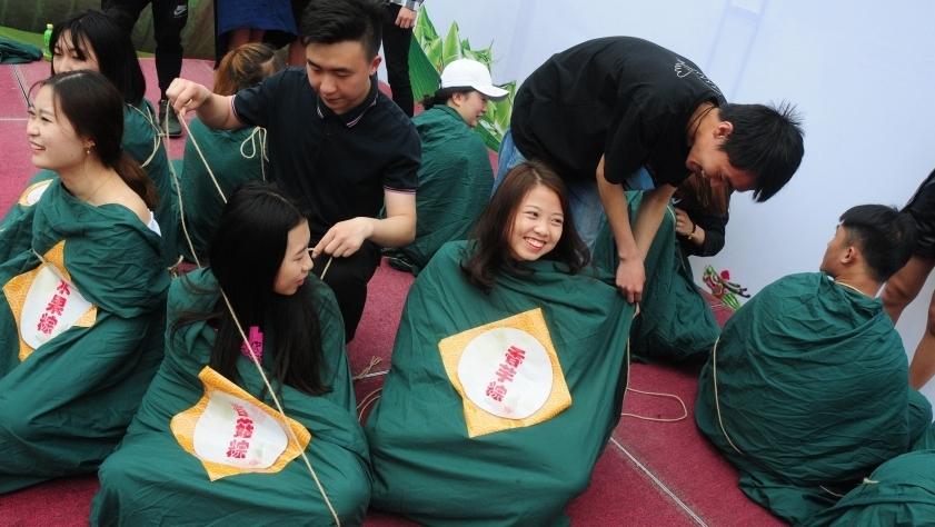 Креативная фотосессия выпустников к празднику Дуаньу