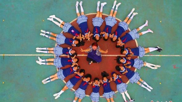 Оригинальные выпускные фотографии учеников начальной школы
