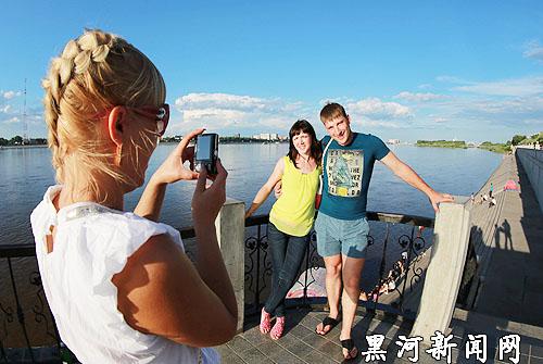 Давайте посмотрим, какими словами россияне чаще всего описывают Китай