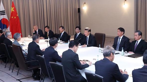 Си Цзиньпин встретился с президентом Республики Корея Мун Чжэ Ином
