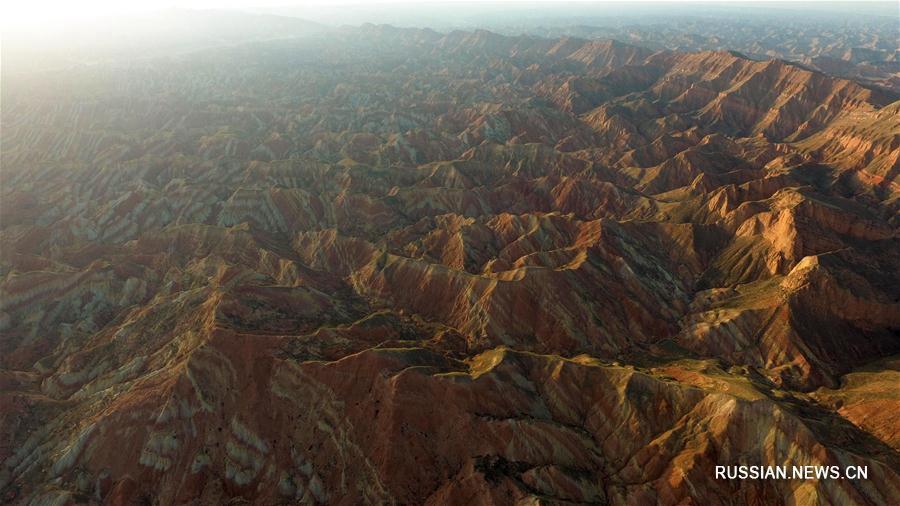 Волшебные пейзажи геологического парка под Ланьчжоу