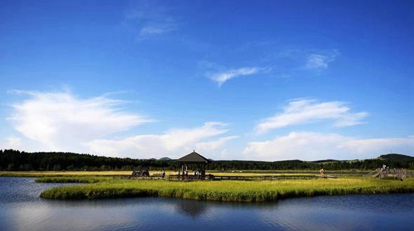 Чарующие пейзажи лесопарка Сайханьба в провинции Хэбэй
