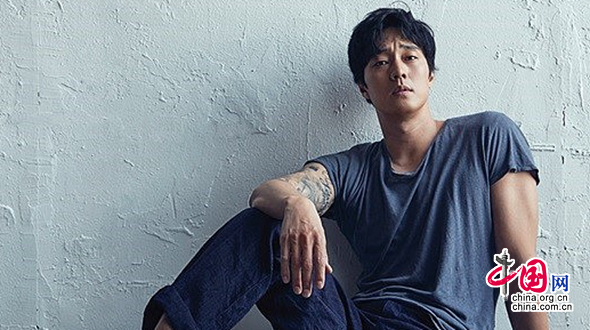 Южнокорейский актер Со Чжи Соп снялся для модного журнала