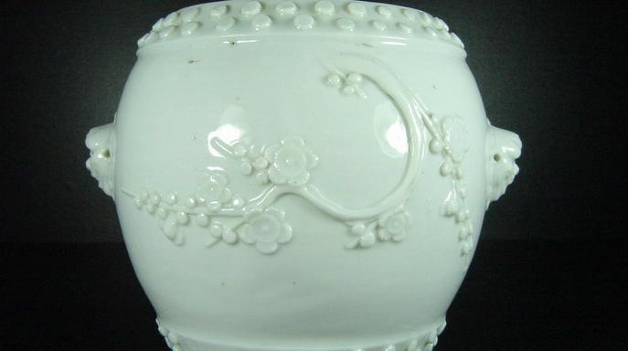 Белый фарфор из уезда Дэхуа города Цюаньчжоу