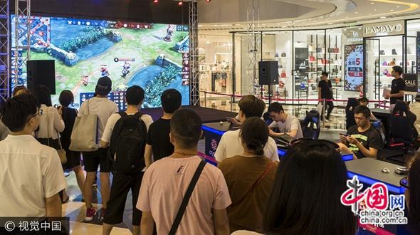 В магазине Шанхая состоялось соревнование «Война королей»