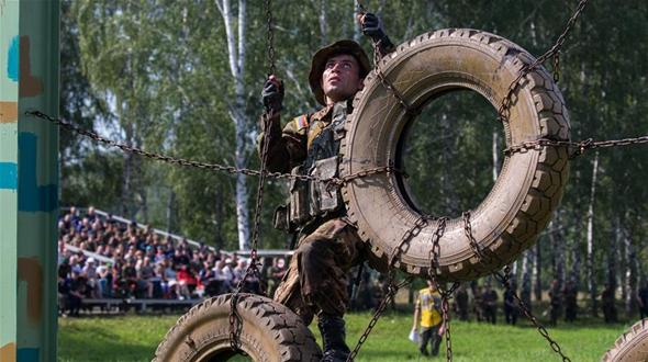 АРМИ-2017 -- Третий этап конкурса 'Отличники войсковой разведки' проходит под Новосибирском
