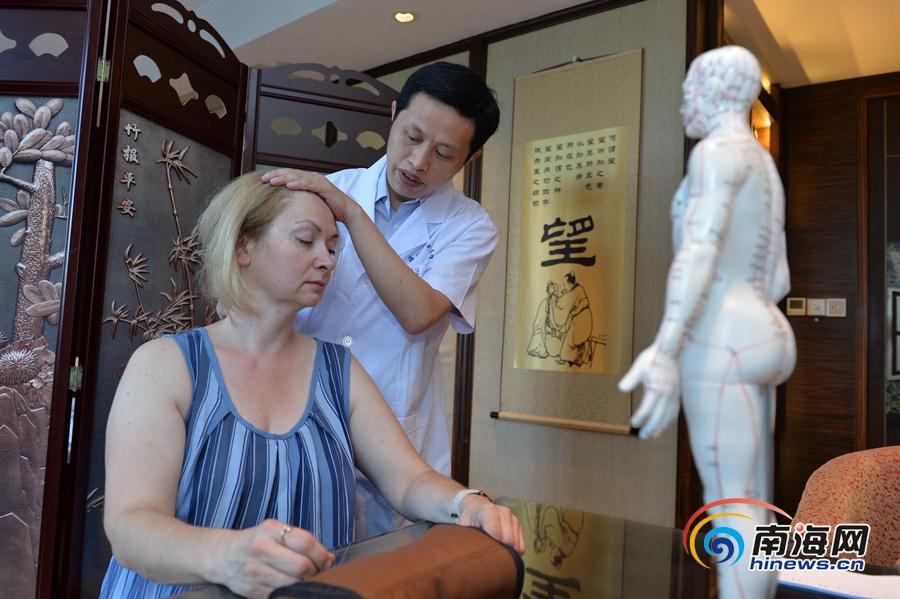 Хайкоу активно стимулирует развитие оздоровительного туризма, российские туристы испытывают на себе эффективность китайской медицины