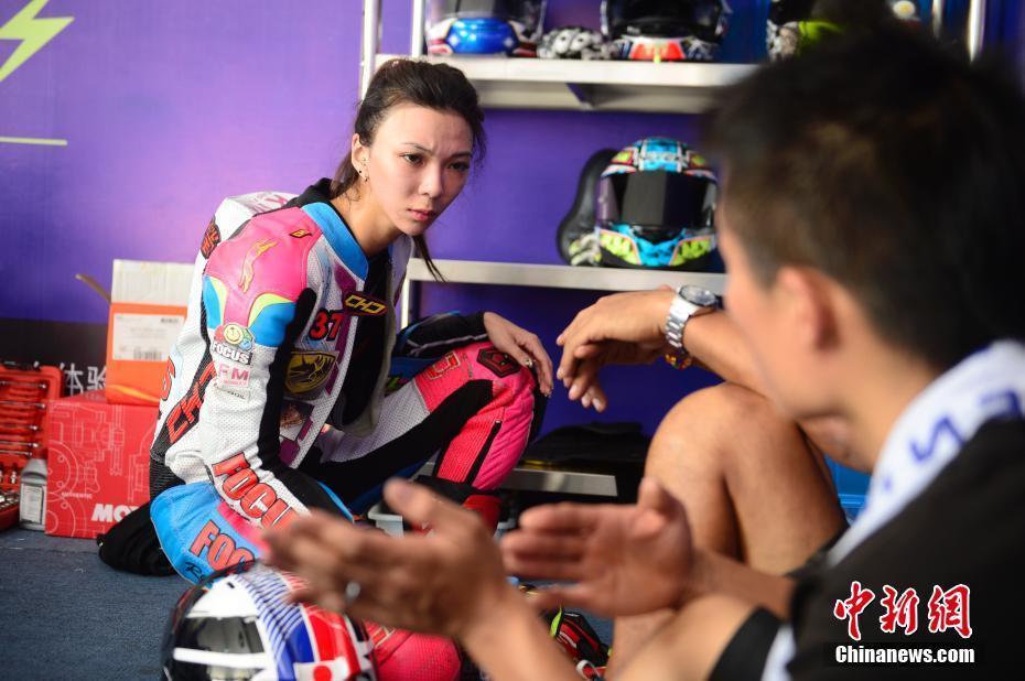 Жизнь женщины-мотоциклистки
