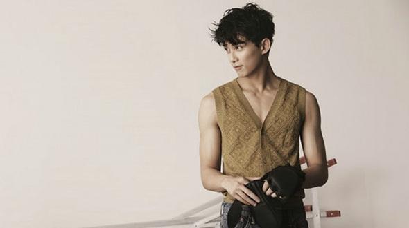 Популярный актер У Лэй попал на обложку модного журнала