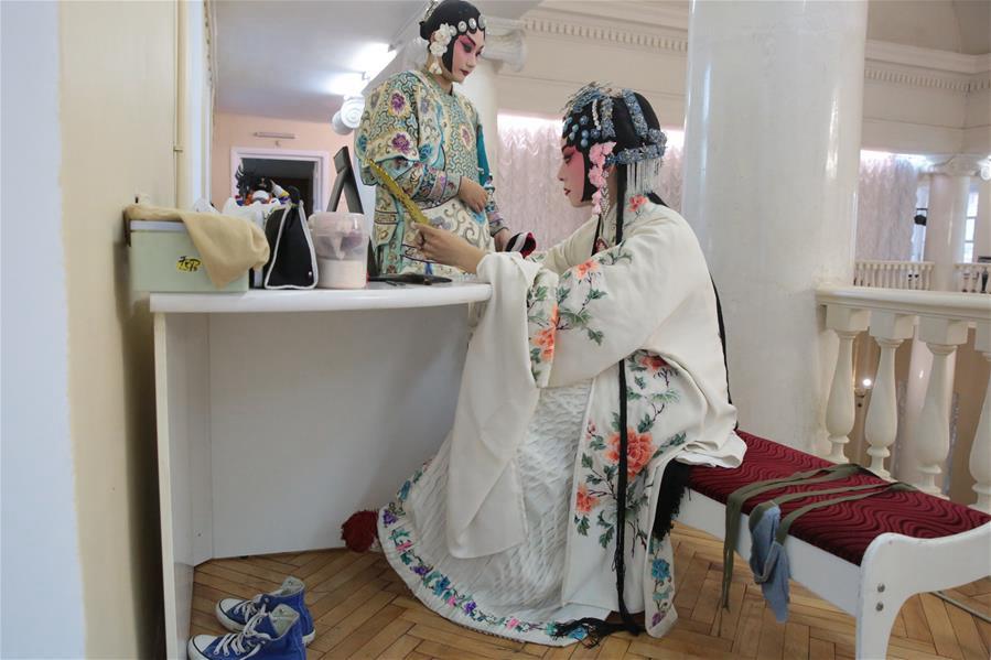 Народная артистка Китая Юань Хуэйцинь рассказала петербуржцам об искусстве пекинской оперы