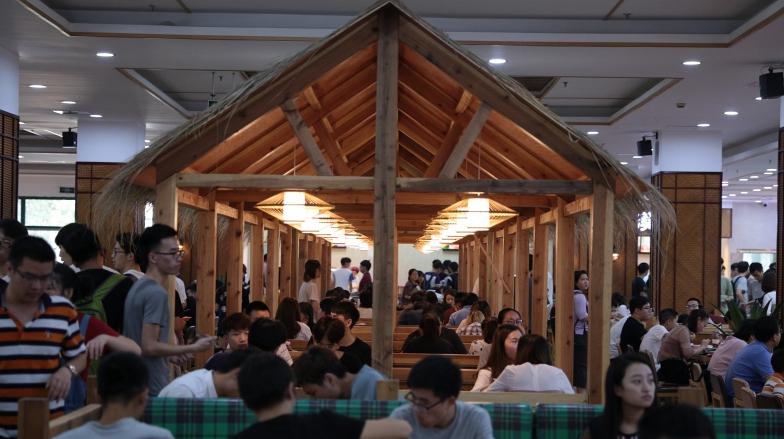 Креативный ресторан в одном из университетов города Ханчжоу