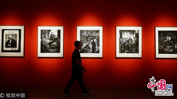 В Ханчжоу открылась выставка произведений искуства для встречи 19-го съезда КПК