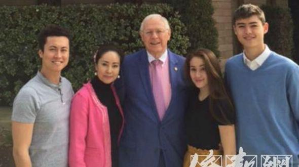 Иностранные мужья любят праздновать традиционные китайские праздники: китайско-американские семьи отмечают Праздник середины осени