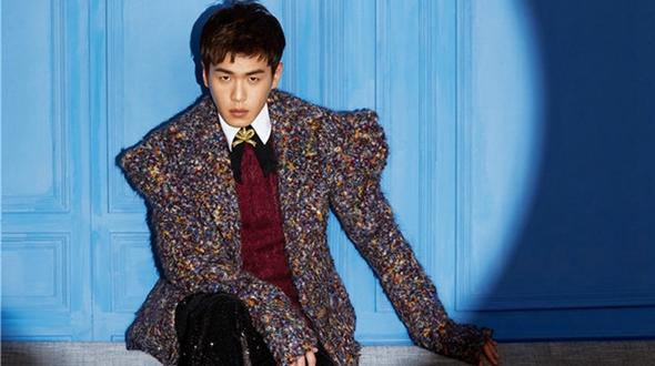 Телезвезда Чжан Жоюнь панал на модный журнал