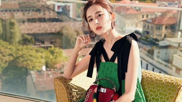 Восходящая звезда На Чжа посетила модную неделю