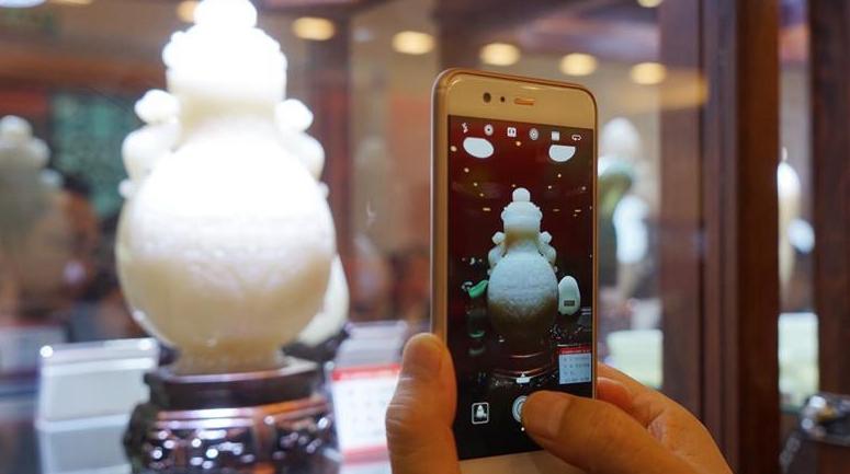 Выставка резьбы по камню открылась в Сучжоу