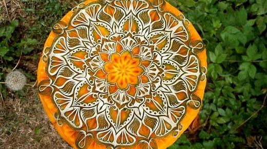 Креативная резьба по тыкве в преддверии Дня всех святых