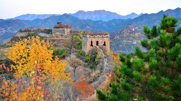 Краски осени на участке Юймулин Великой Китайской стены
