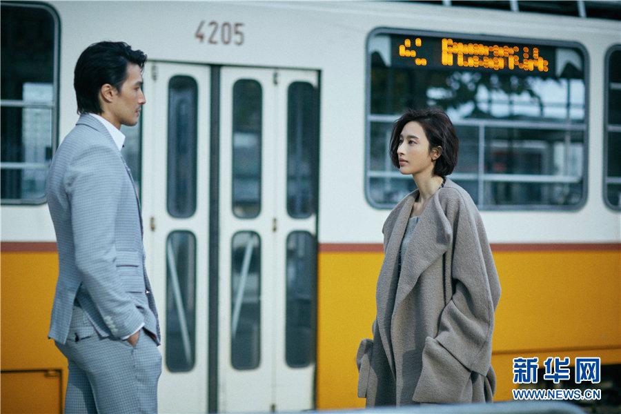 Изящная актриса Чжан Ли в новой фотосессии