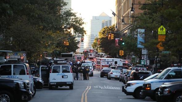 Срочно: 8 человек погибли в результате наезда грузовика на пешеходов в Нью-Йорке -- мэр