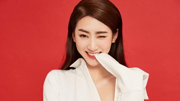 Молодая актриса Чжао И