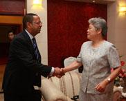 唐闻生副会长会见联合国助理秘书长曼加沙