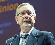 欧盟翻译总司司长卡尔—约翰·略逻思发言