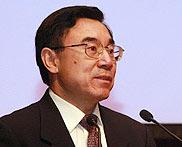 中国外文局副局长、国际译联副主席黄友义主持闭幕式