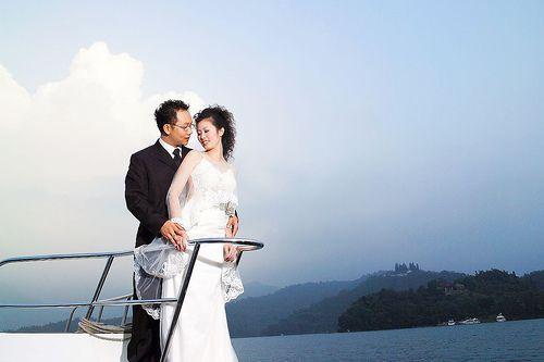 Veintiséis jóvenes parejas de la parte continental de China llegaron el sábado a Taipei para realizar un viaje gratuito, durante el cual participarán