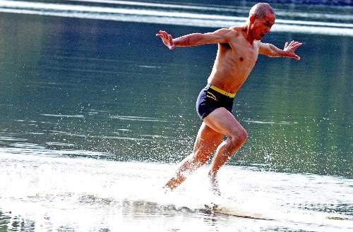 Shaolin- revelan -cómo flotar en el agua - Kungfu 2