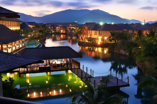 El ' Yalong Bay No 5 Resort Villa Hotel' en Sanya