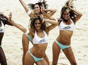 Cheerleaders sexys, preciosas chicas en bikini, chicas en tanga, mujeres atrevidas playa, preciosos culos, culo perfecto