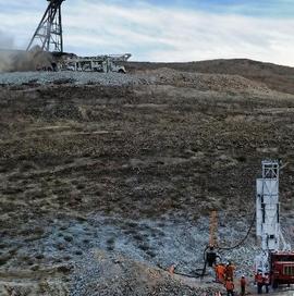 Inicia segundo intento de rescate de 33 mineros atrapados en Chile