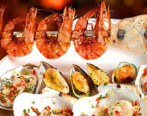 Comer marisco y pescado fresco en Sanya