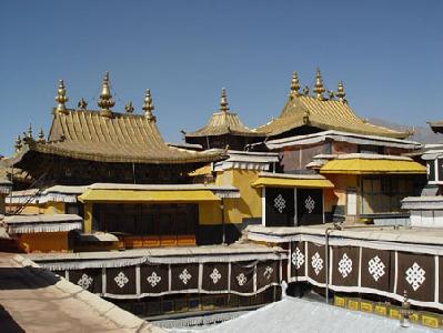 Rojo y amarillo: el misterio de la Arquitectura del Budismo Tibetano 1