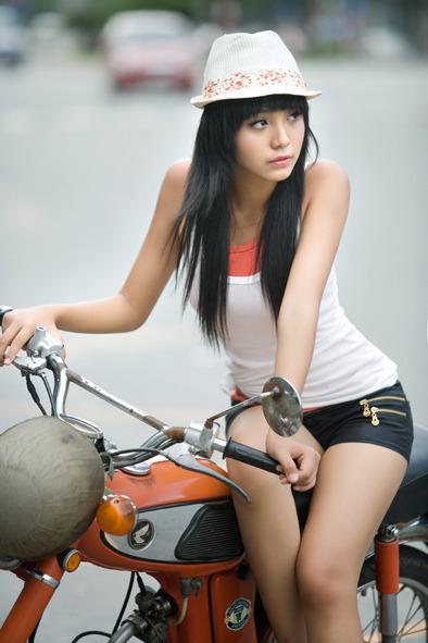 La modelo vietnamita con edad de doce años captura los corazones de