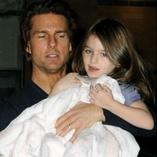 Suri Cruise, adorable hija de la estrella de Hollywood Tom Cruise